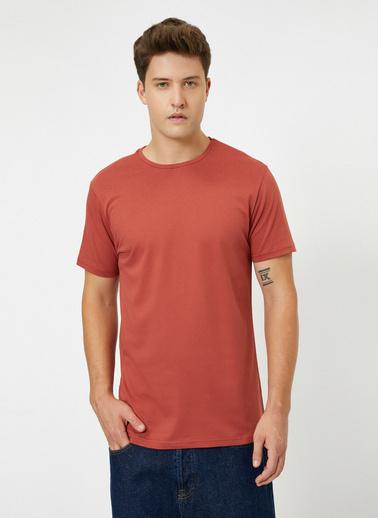 Koton Bisiklet Yaka %100 Pamuk Slim Fit Basic T-Shirt Kahve